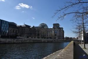 berlin reichstag kuppel spree
