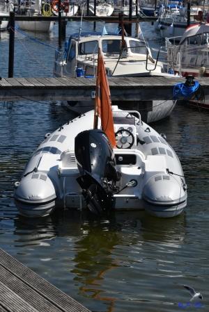 Schlauchboot mit PS